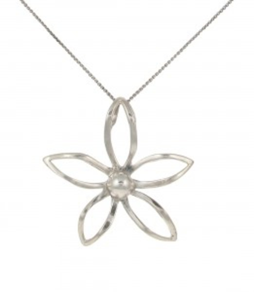 Silver flower pendant without Chain