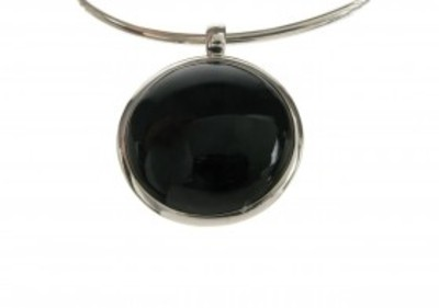 Silver and black agate round pendant without Chain