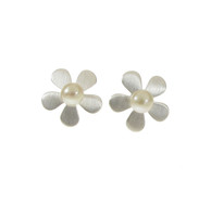 Lazy Daisy Silver Earrings