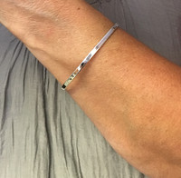 Silver and Simple Round Bangle