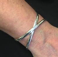 Silver Crossover Ribbon Bangle