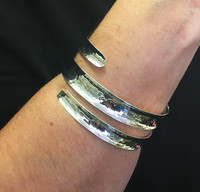 Silver Hammered Slinky Bangle